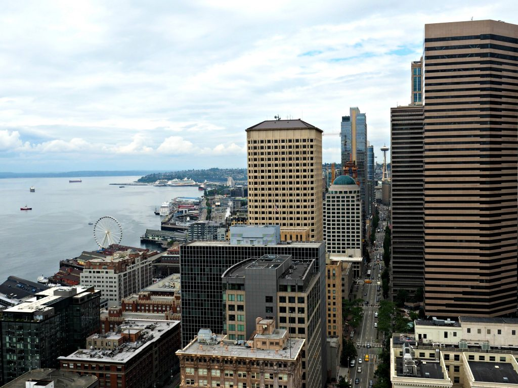 smith tower, smith tower observatory, seattle skyline, what to see in seattle, where to go in seattle, best spots in seattle, not touristy things to do in seattle,, seattle city guide,