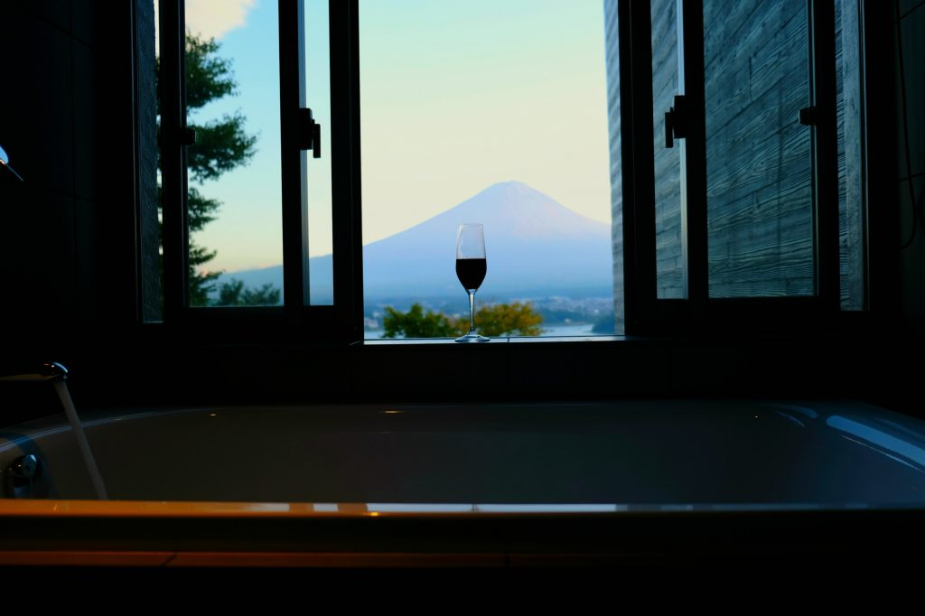 Mount Fuji hotels, where to stay at Mount fuji, luxury hotel by mount fuji, mount fuji hotels, hoshinoya, hoshinoya hotels, japan, where to stay in japan, luxury hotels japan,best hotels to stay in japan, hoshinoya mount fuji, luxury japan hotel, glamping at mount fuji, glamping, best glamping spots