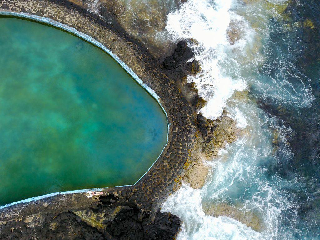 rivis salt water pool, hidden salt water pool hawaii, what to do in big island hawaii, what to see in big island hawaii, where to eat in big island hawaii, big island hawaii travel tips, travel tips for big island hawaii, where to drink on the big island hawaii,